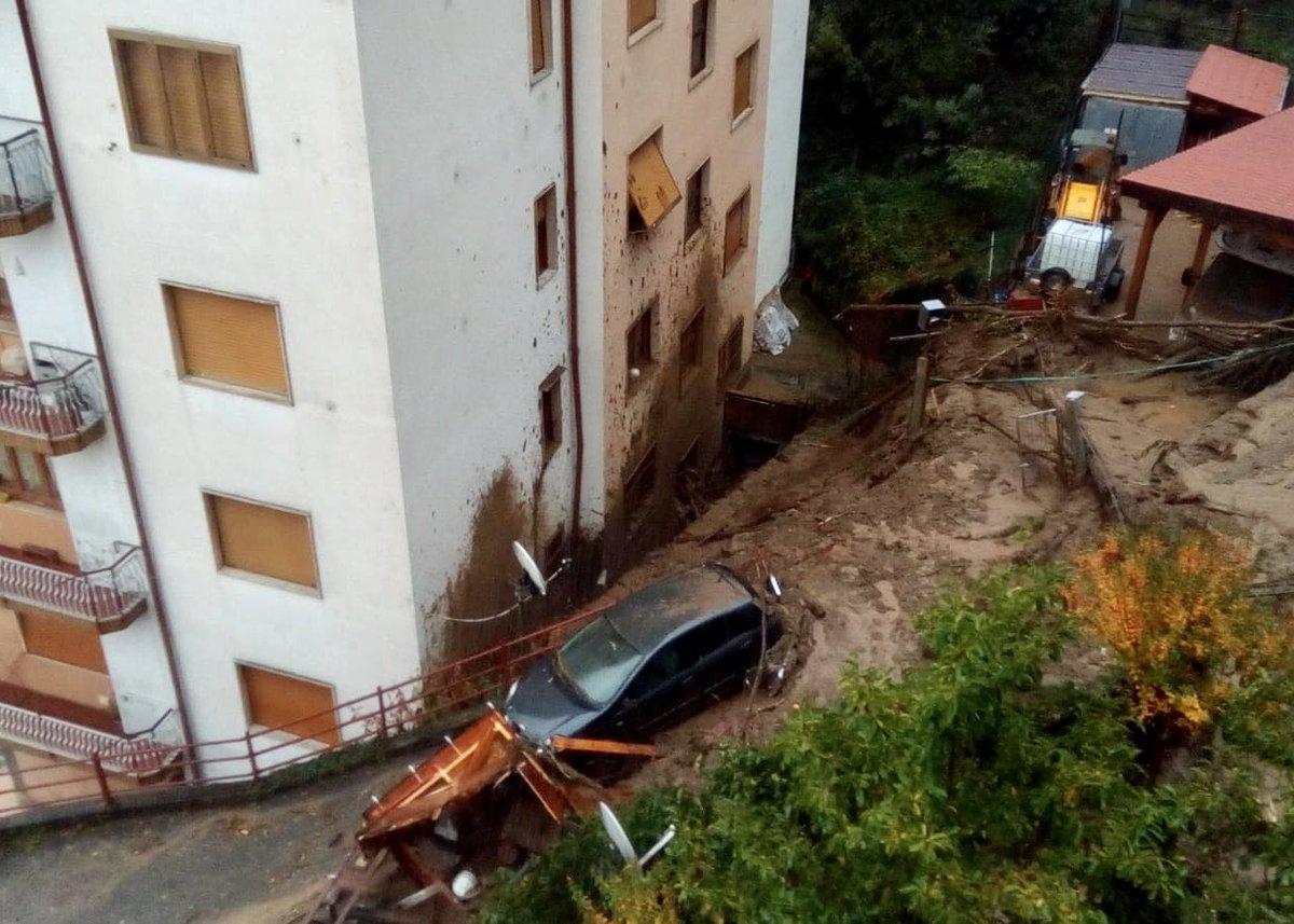 Італія постраждала від повені / twitter.com/emergenzavvf