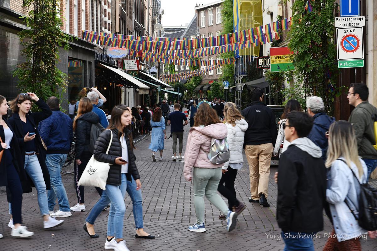 На сегодня неясно, что будет с гостиницами и ресторанами в Нидерландах / фото Yury Shulhevich