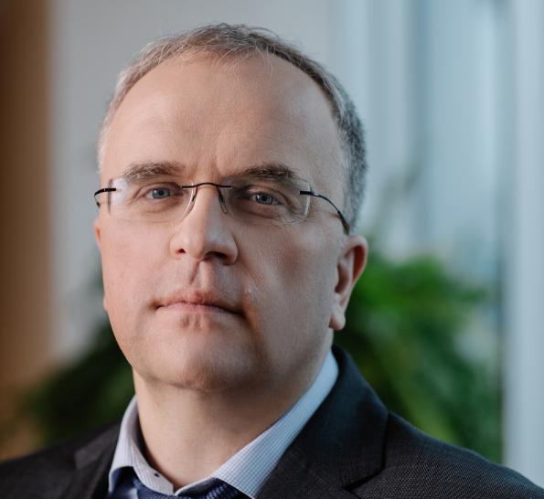 """""""Мы понимаем важность обеспечения всестороннего доступа к 3G и 4G, хотя проект не прибыльный"""", - Александр Комаров / фото УНИАН"""