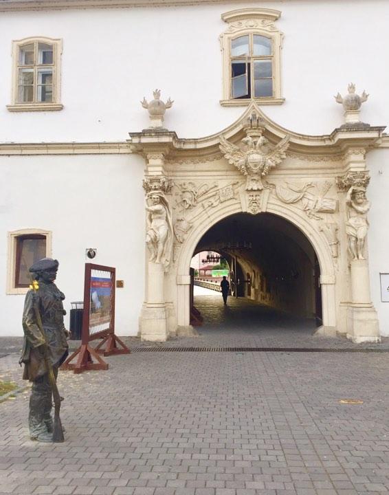 Вход в Крепость города Альба Юлия / Фото Дарья Мацкевич