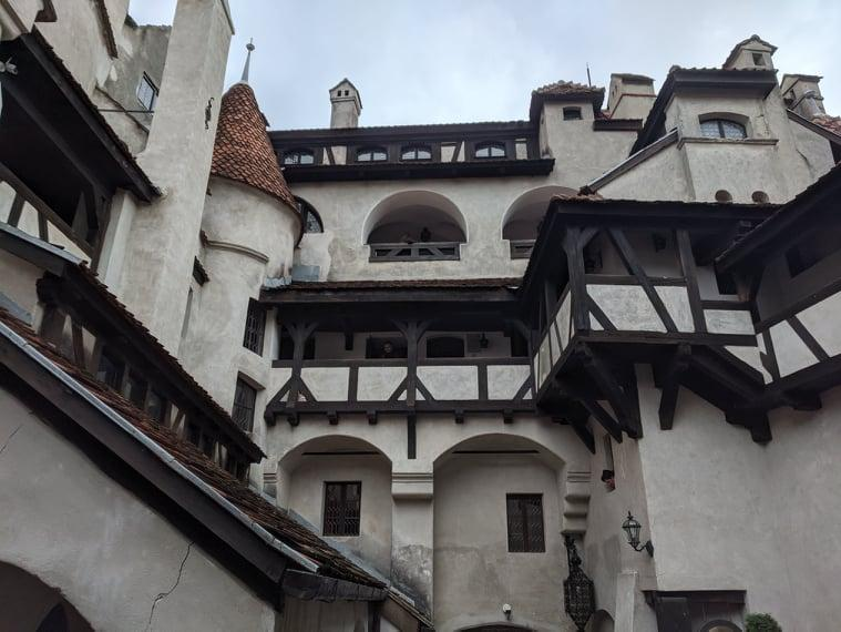 Замок Бран - вид с внутреннего двора / Фото Евгений Матюшенко