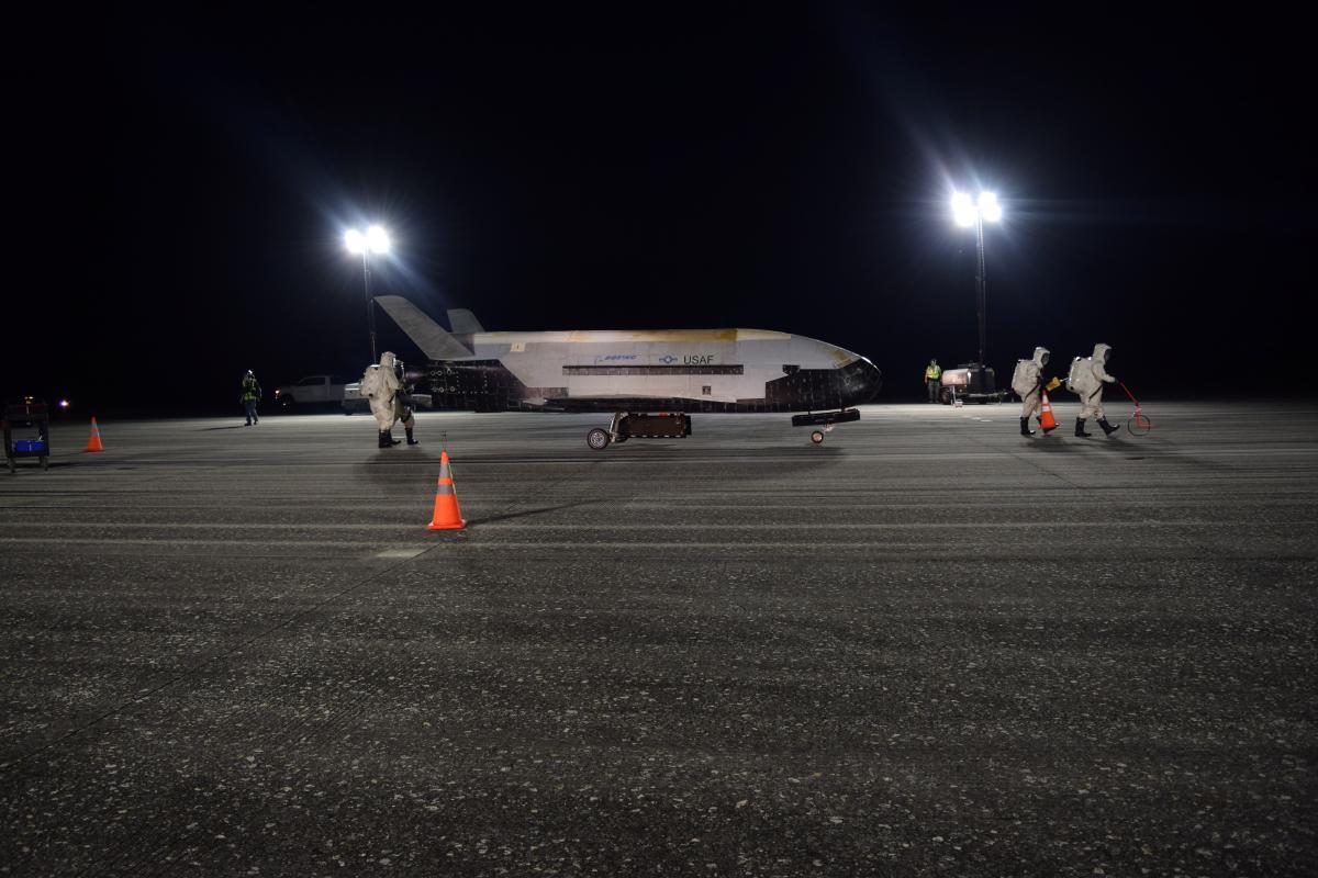 Космический самолет X-37B / REUTERS