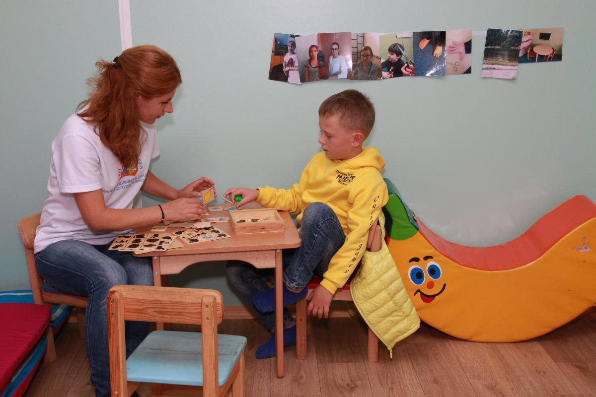 Психолог утверждает, что с детьминужно разговаривать / фото flickr.com/unhcr_ukraine