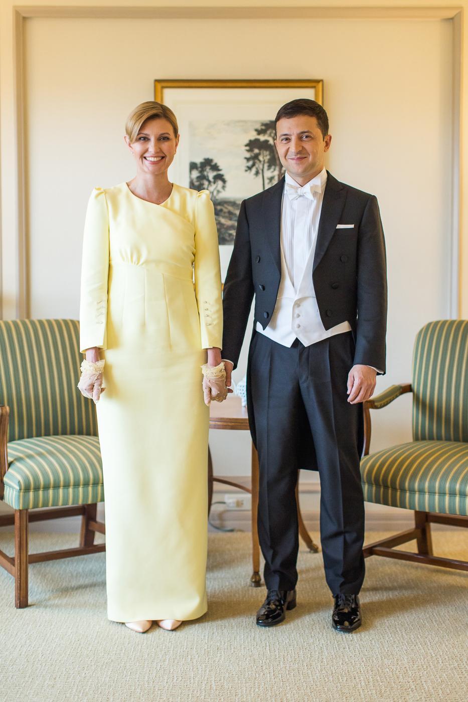 Жовта сукня Олени Зеленської у Японії викликала багато коментарів, мовляв, цим кольором перша леді порушила протокол / фото president.gov.ua