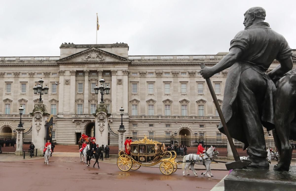 Букингемский дворец / иллюстрация / REUTERS