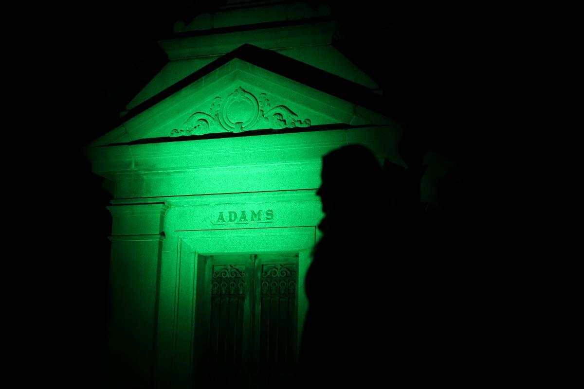 Склеп семьи Адамс на кладбище«Вудлон» в Нью-Йорке / REUTERS