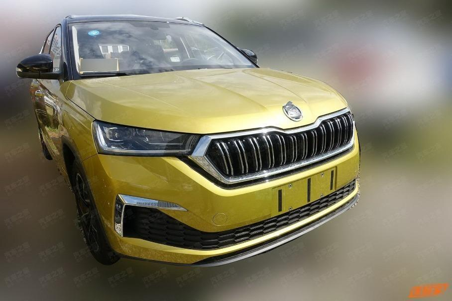 New Skoda crossover photographed without camouflage / photo autohome.com.cn
