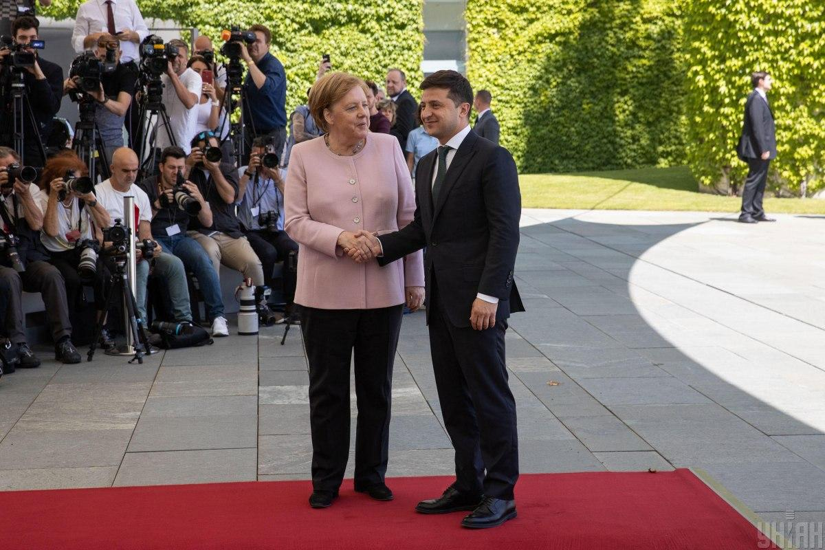 Zelensky and Merkel discuss Ukraine's access to a new COVID-19 vaccine / Photo from UNIAN