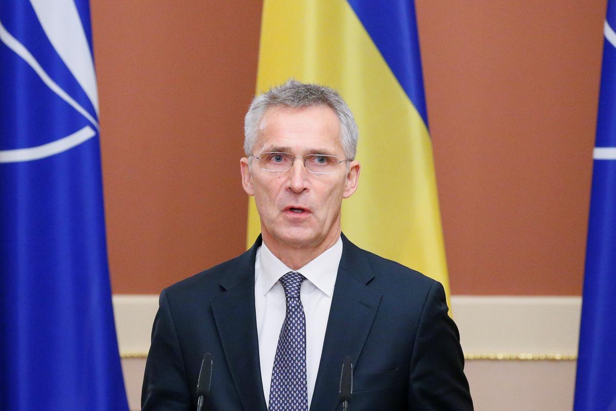 Столтенберг зазначив, що Альянс продовжить підтримувати Україну і Грузію \ фото REUTERS