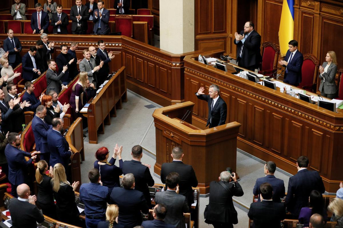 Столтенберг убежден, что у новоизбранного парламента есть историческая возможность изменить Украину к лучшему / REUTERS