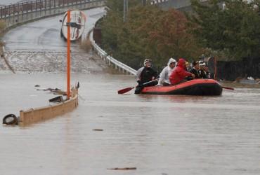"""Число жертв тайфуна """"Хагибис"""" в Японии превысило 70 человек"""