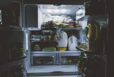 Названо небезпеку прийому їжі після 18:00