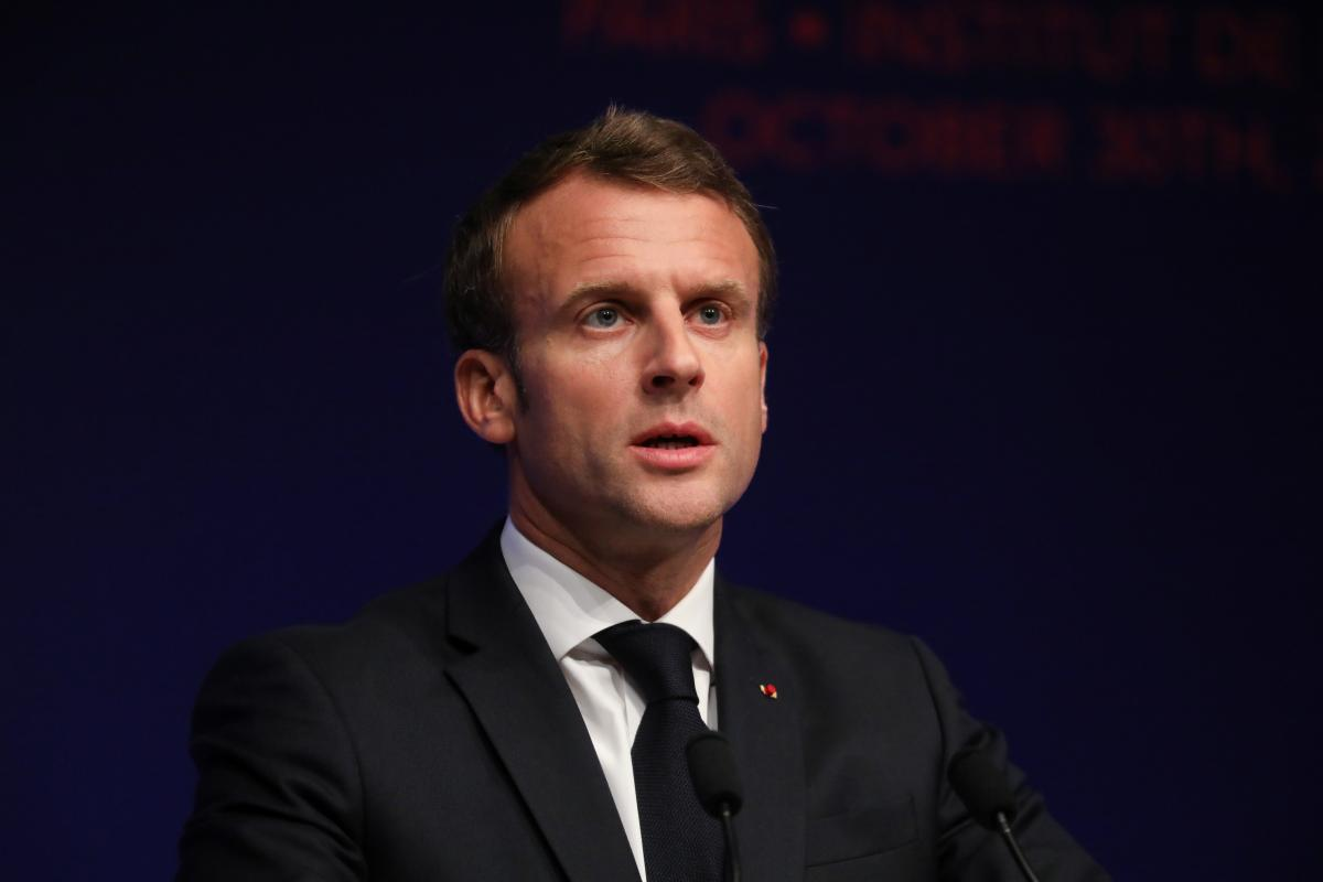 "Macron urges to ""reengage dialogue with Russia,"" being tough in Ukraine issue / REUTERS"