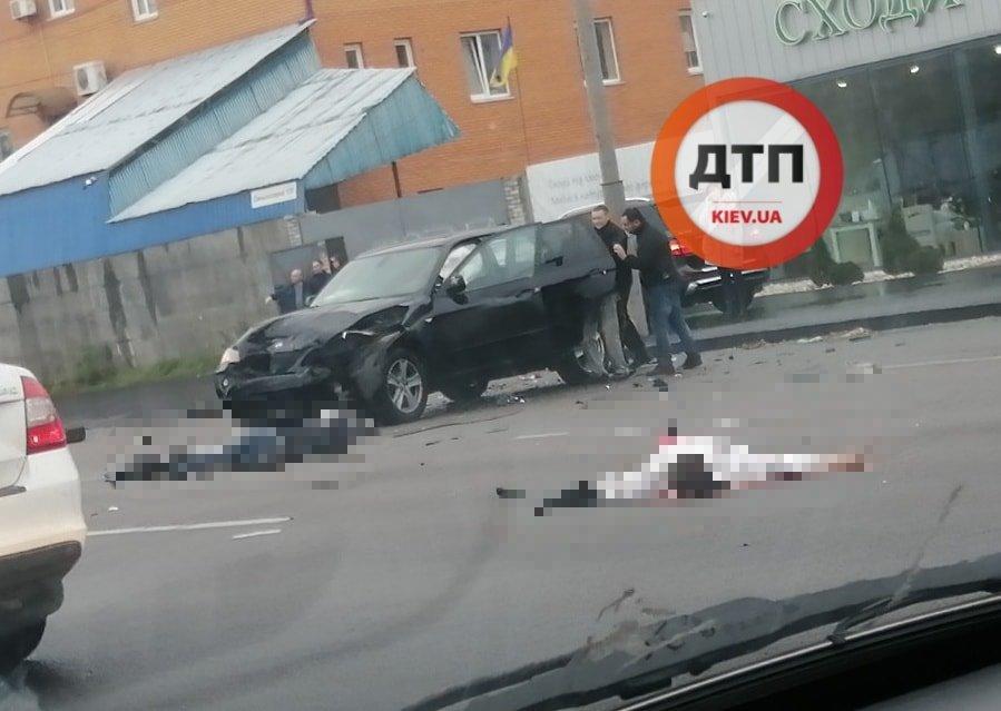 В Киеве произошла жуткая авария, тела погибших разбросало по дороге / Facebook, dtp.kiev.ua