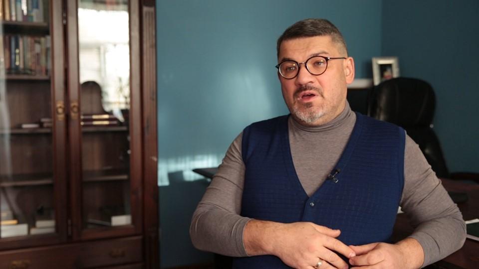 Кирило Куликов був головою слідчої комісії з розслідування порушень законів України головою КМДА Черновецьким та його депутатами