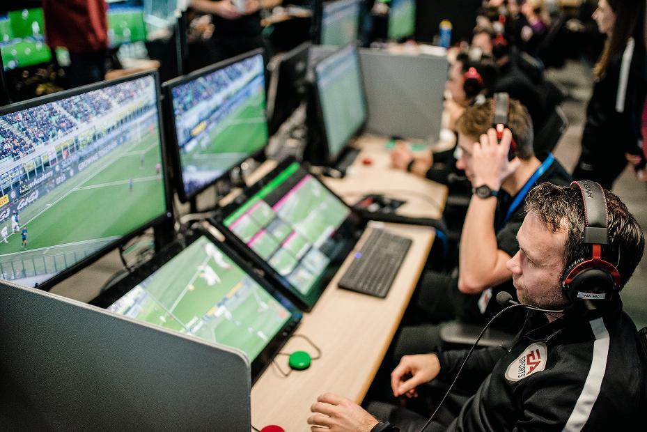 Клубы АПЛ недовольны VAR / фото: Sky Sports