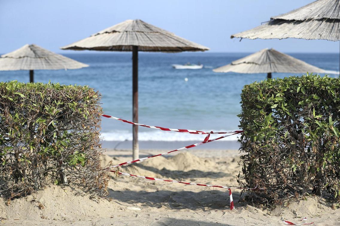 Самый популярный пляж эмирата ФуджейраAl Aqah был закрыт \ thenational.ae