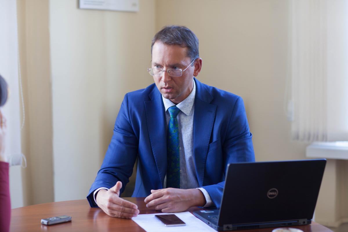 Член ради НБУ Віктор Козюк наголосив, що якщо змінювати статус НБУ, то від незалежності регулятора нічого не залишиться / фото УНІАН
