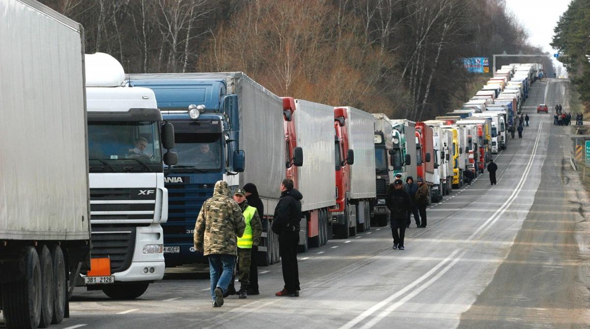 За сутки в Киев въезжает до 50 тысяч грузовых авто / versiya.info