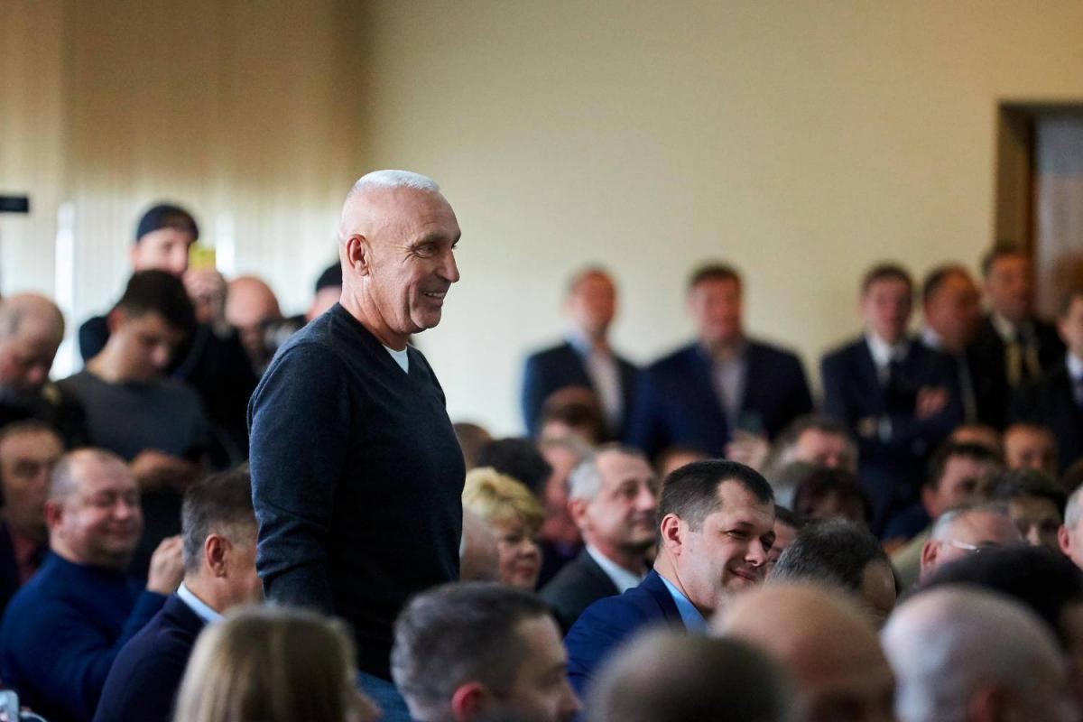 Президент попросив Ярославського допомогти з наведенням порядку на заводах концерну / фото УНІАН