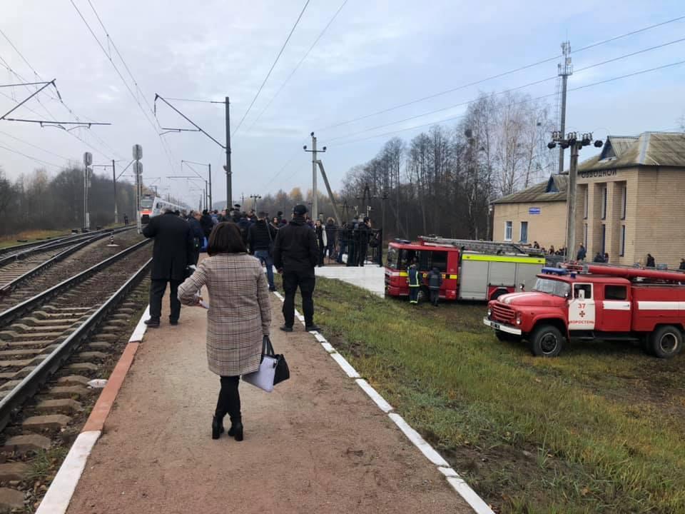 По состоянию на 11:00 проверка поезда продолжается / фото Facebook Roman Matys