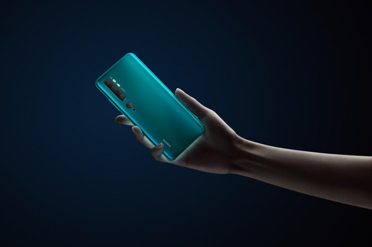Xiaomi представила смартфон с суперкамерой / фото Xiaomi