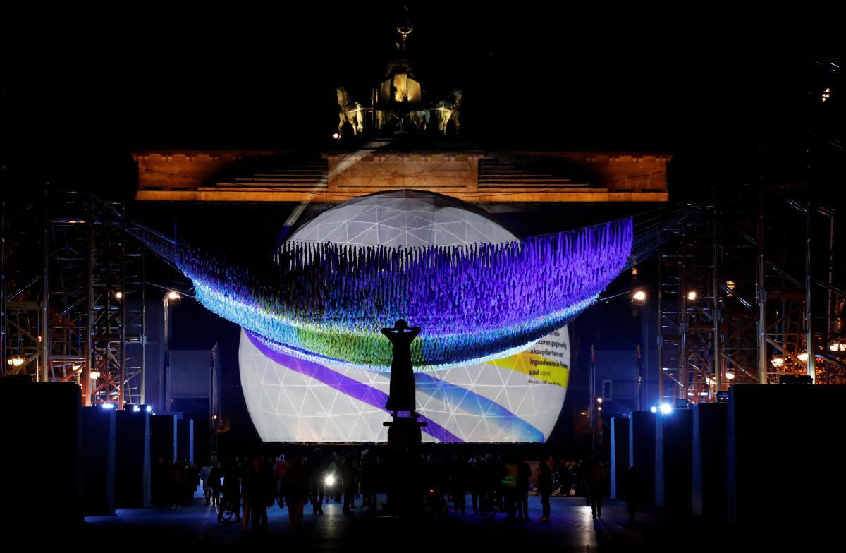 9 ноября возле Бранденбургских ворот пройдет праздничный концерт / Фото REUTERS
