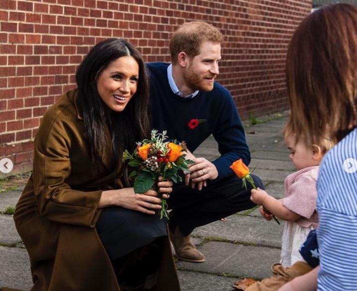 Меган и Гарри встретились с семьями военных \ instagram.com/sussexroyal/
