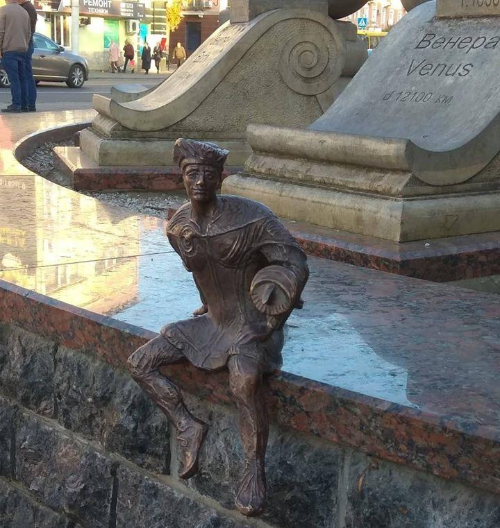 Скульптуру установили 1 ноября/ фото ГУ НП в Волынской области