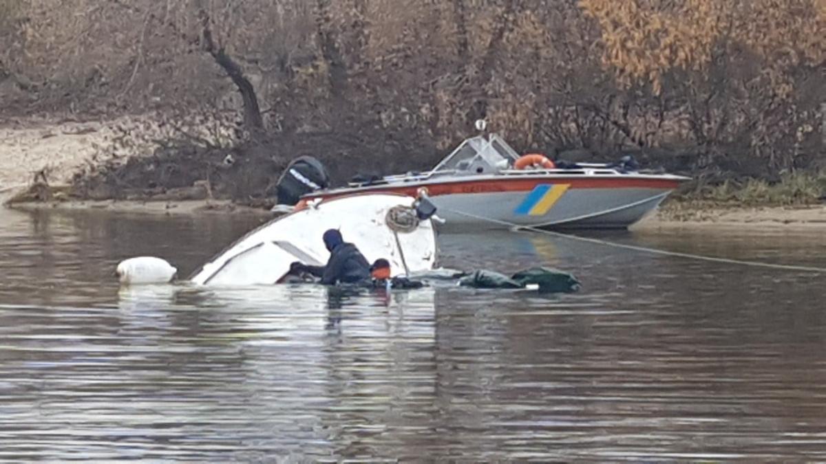 В момент аварии на яхте находились трое мужчин / facebook.com/KARS
