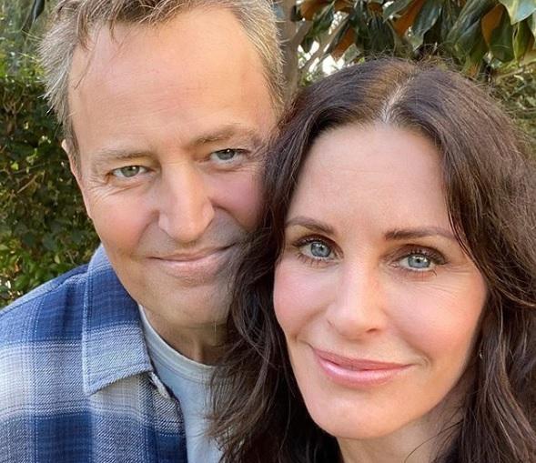 """Герої серіалу """"Друзі"""" з'явилися на спільному фото через 25 років / instagram.com/courteneycoxofficial"""