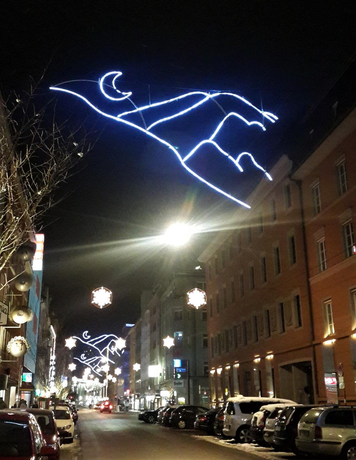 В Инсбруке очень креативно подходят к рождественскому оформлению / Фото Марина Григоренко