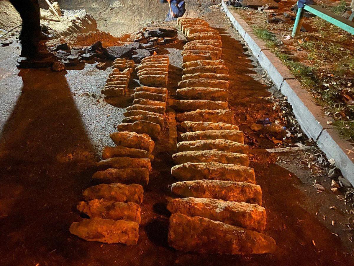 Спасатели изъяли мины, снаряды и гранату / ГСЧС