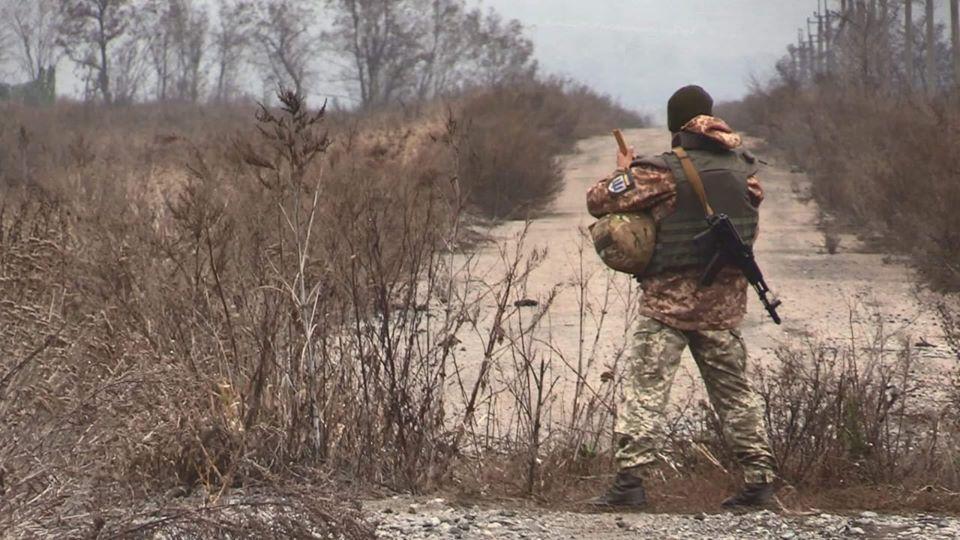 Боевики продолжают обстреливать украинских воинов / фото: facebook.com/pressjfo.news