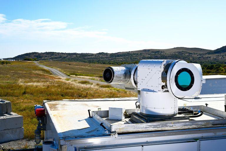 Лазер ATHENA будет защищатьбазы от атак дронов/ фото: Lockheed Martin Corporation