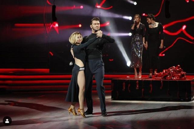 Виктория Булитко и Дмитрий Дикусар исполнили страстное танго / фото instagram.com/tanci1plus1/