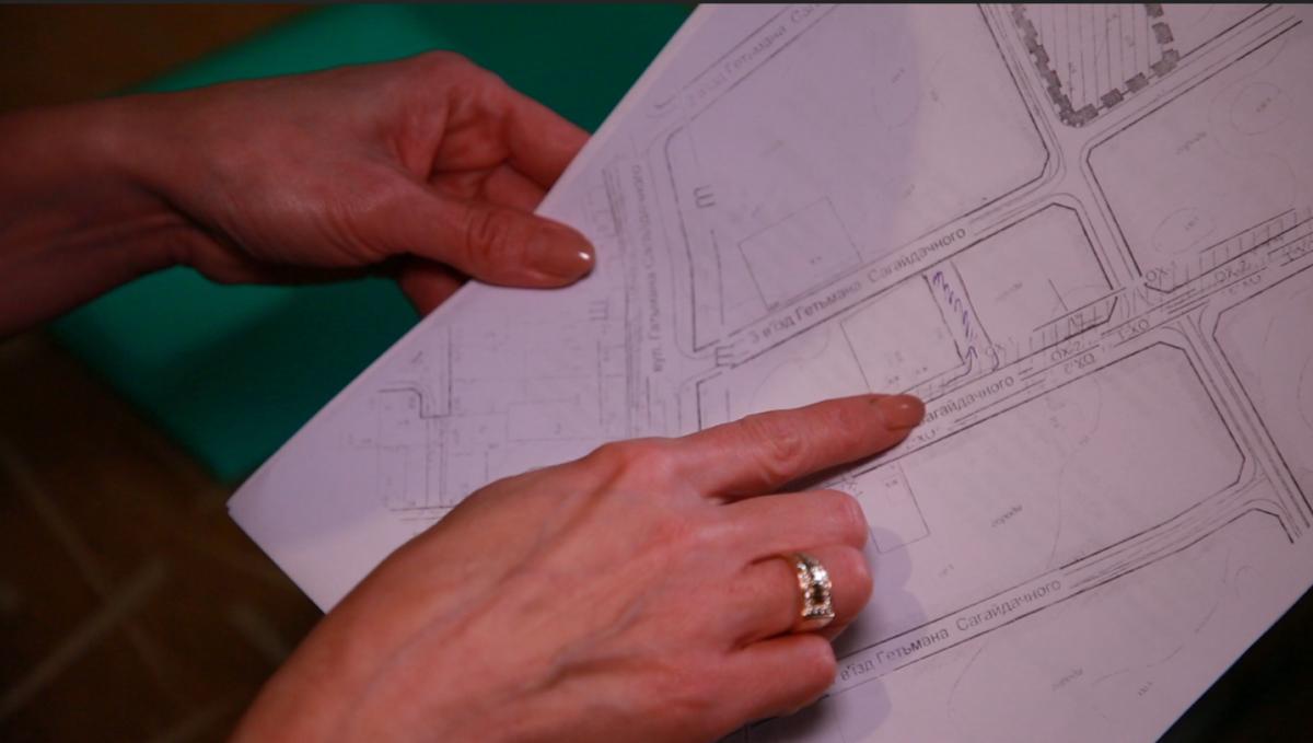 У міськраді Білявських запевняють, що земельна ділянка, на яку вони претендують, приватна
