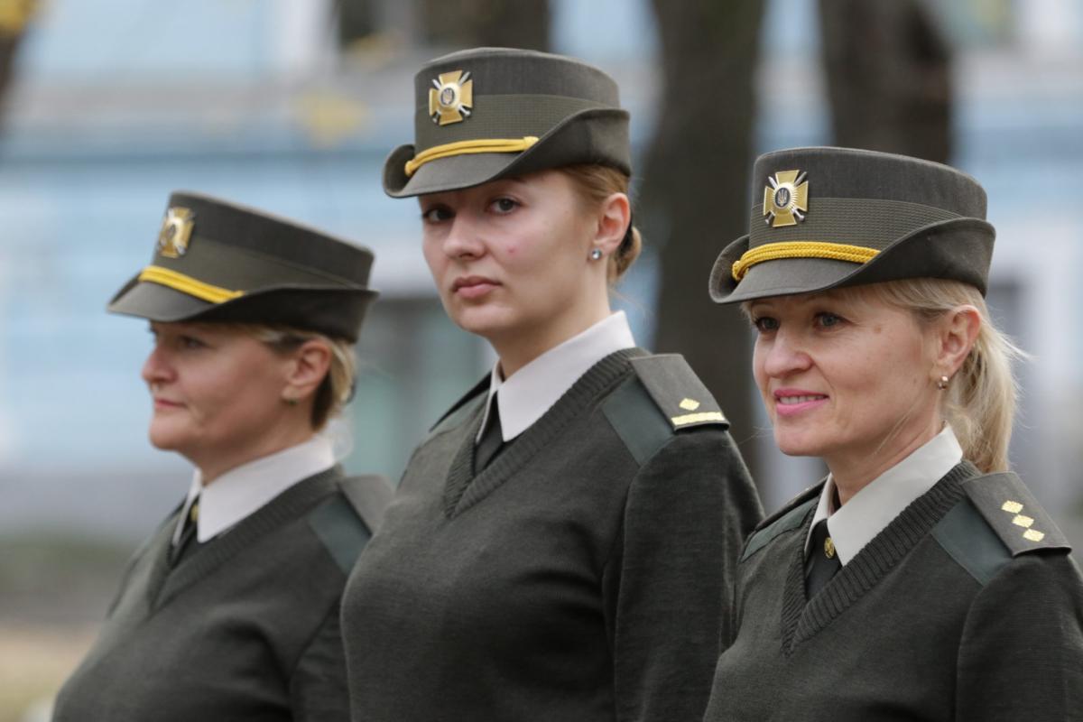 В ВСУ обновляют форму для женщин \ armyinform.com.ua