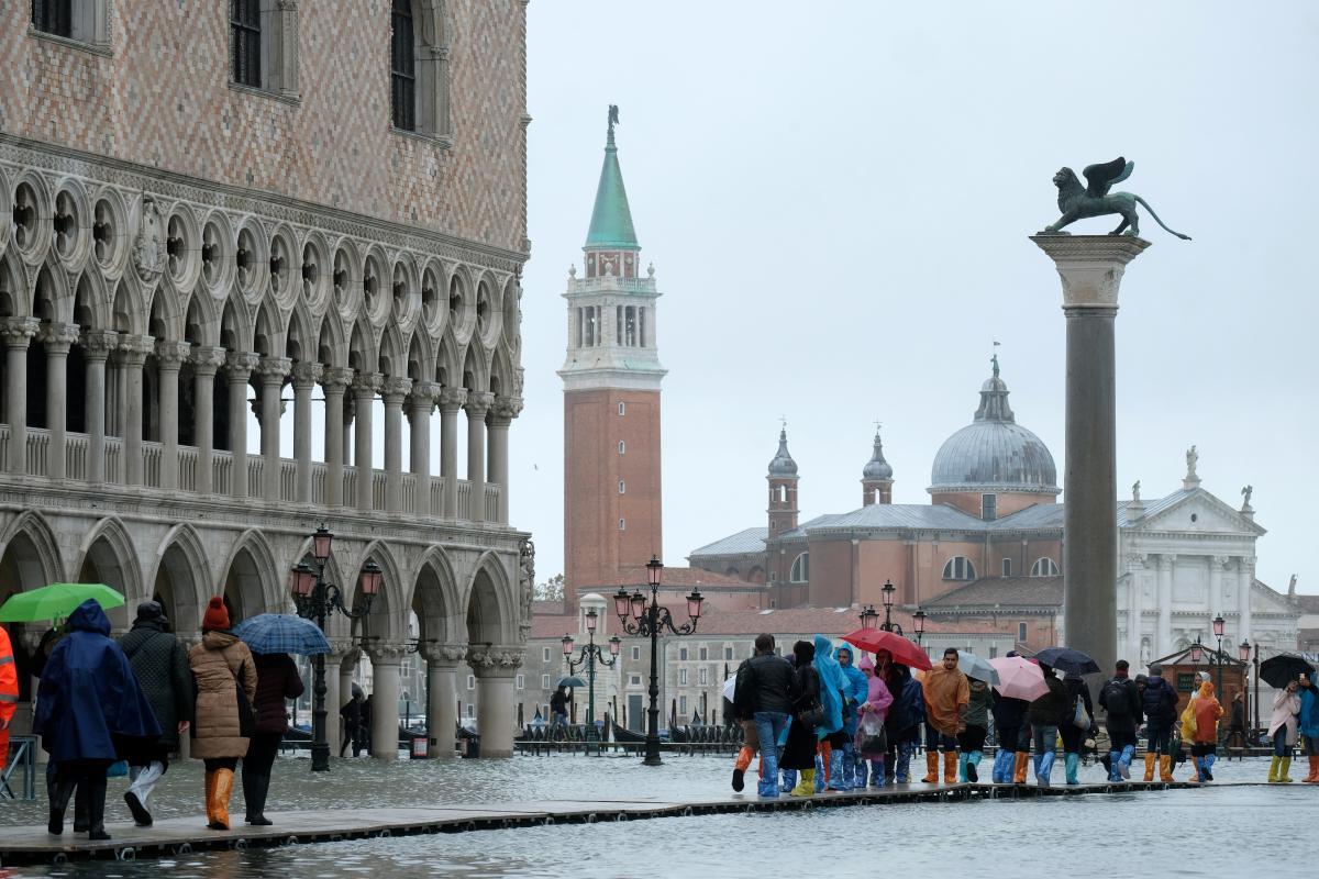 """У Венеції сезон """"високої води"""" / Фото REUTERS"""