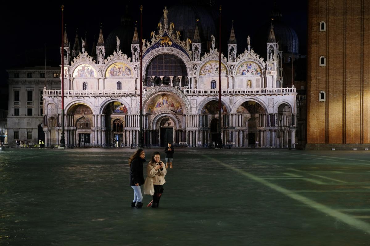 Наводнение в Венеции / REUTERS