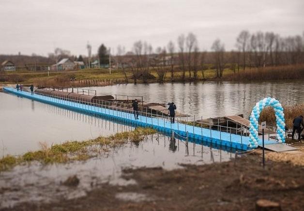 Долгожданный мост оказался пластиковым / фото: tatar-inform.ru