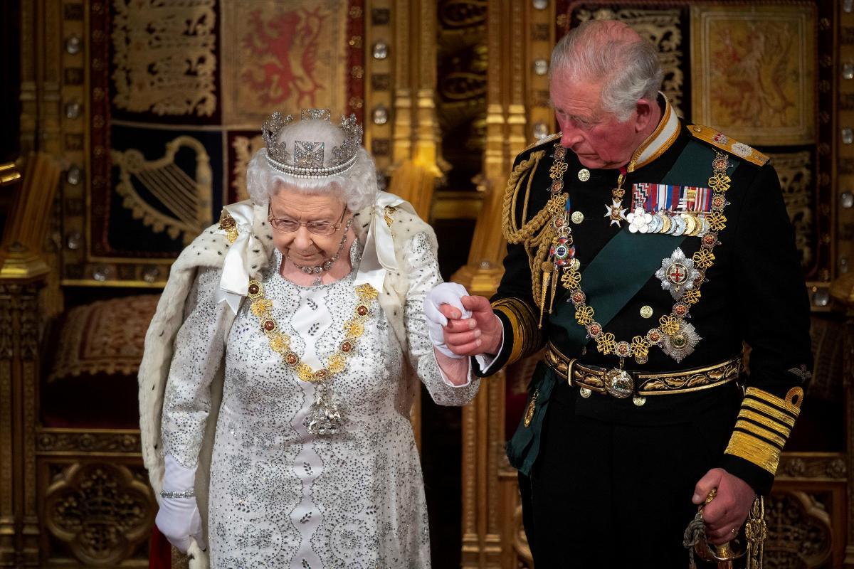 Королева Єлизавета ІІ та принц Чарльз / фото REUTERS