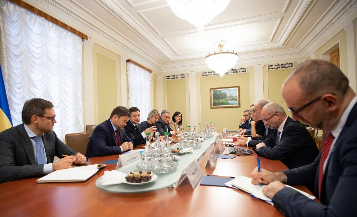 Zelensky has met with G7 Ambassadors / Photo from president.gov.ua