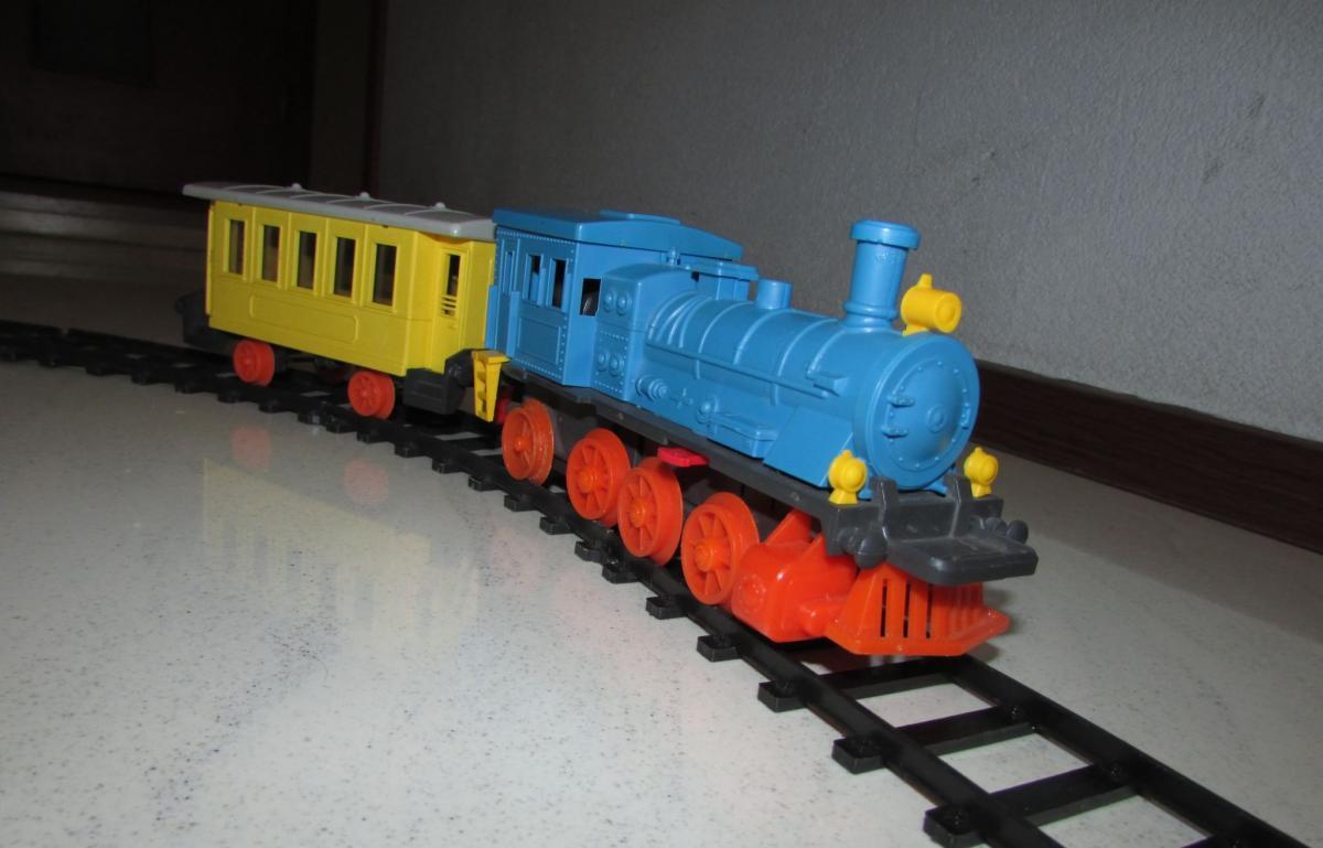 Первую игрушечную дорогу продали в Германии / meshok.net