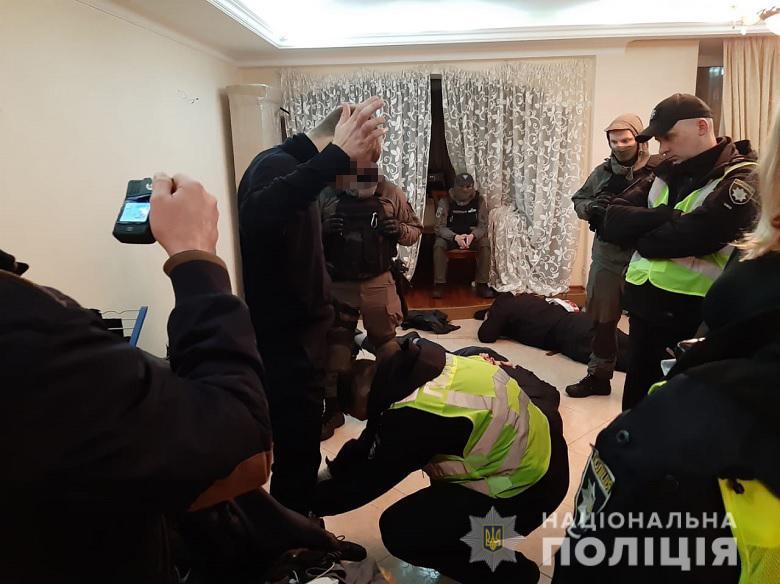Після перебування чоловіків у квартирі зникли ювелірні прикраси й цінні речі / kyiv.npu.gov.ua