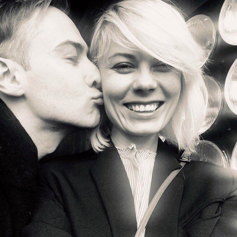 Дмитрий Шепелев разместил черно-белую фотографию с дизайнером Екатериной Тулуповою / фото instagram.com/dmitryshepelev/