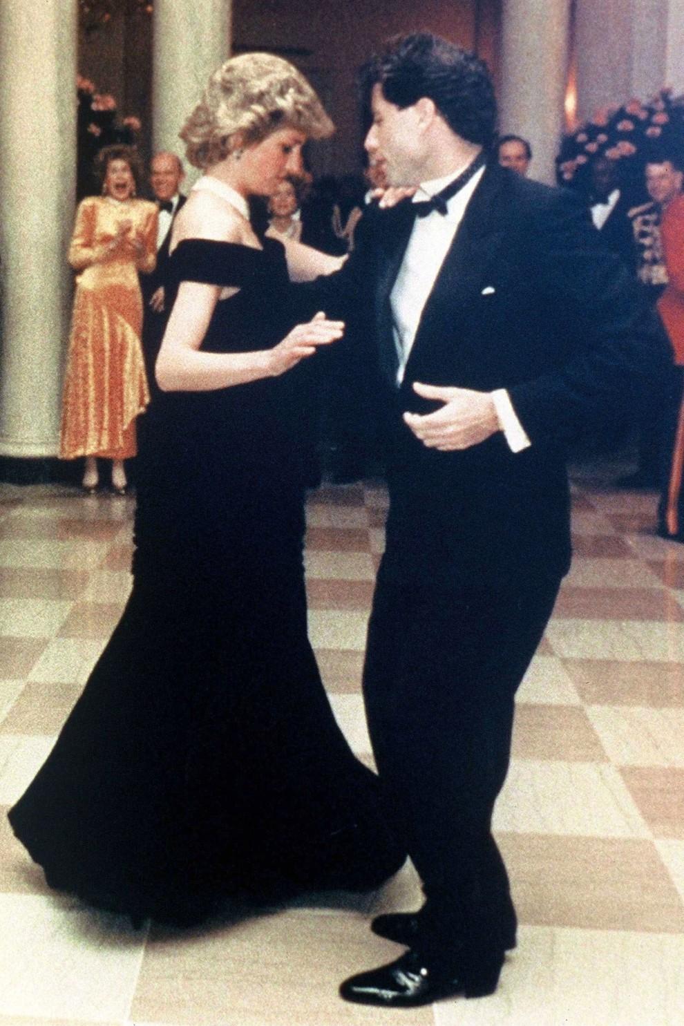Принцесса Диана и Джон Траволта / фото vogue.ua