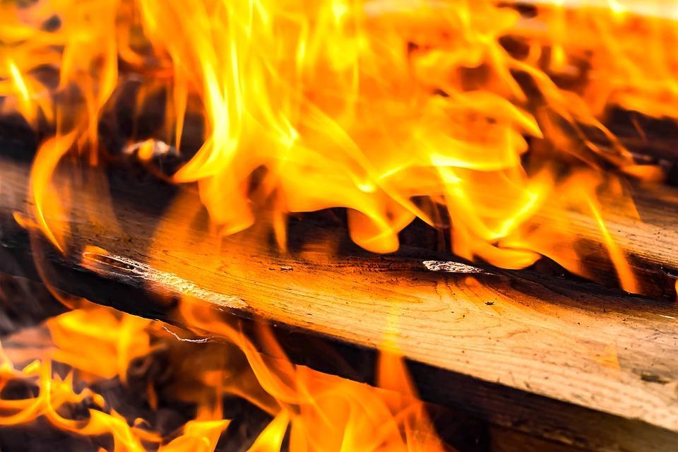 Смертельный пожар произошел в деревянном доме / фото pixabay.com