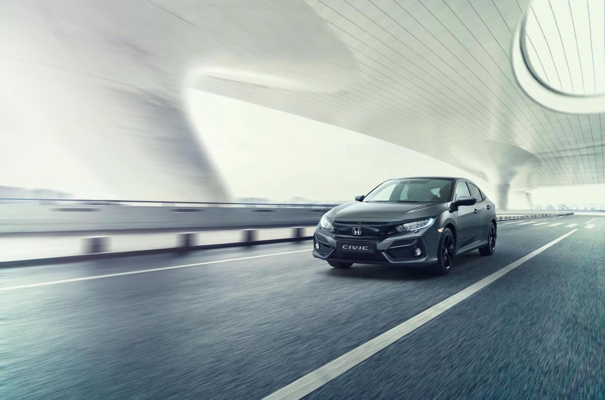 Обновленный Honda Civic лишился виртуальных кнопок в салоне / фото Honda