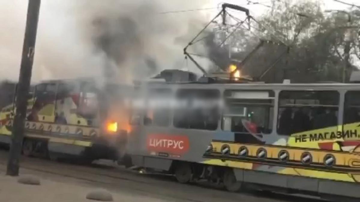 В Днепре сегодня горел трамвай / dp.informator.ua